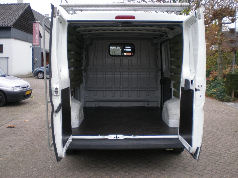 Fiat ducato 30 2.2 Turbo diesel achterbak