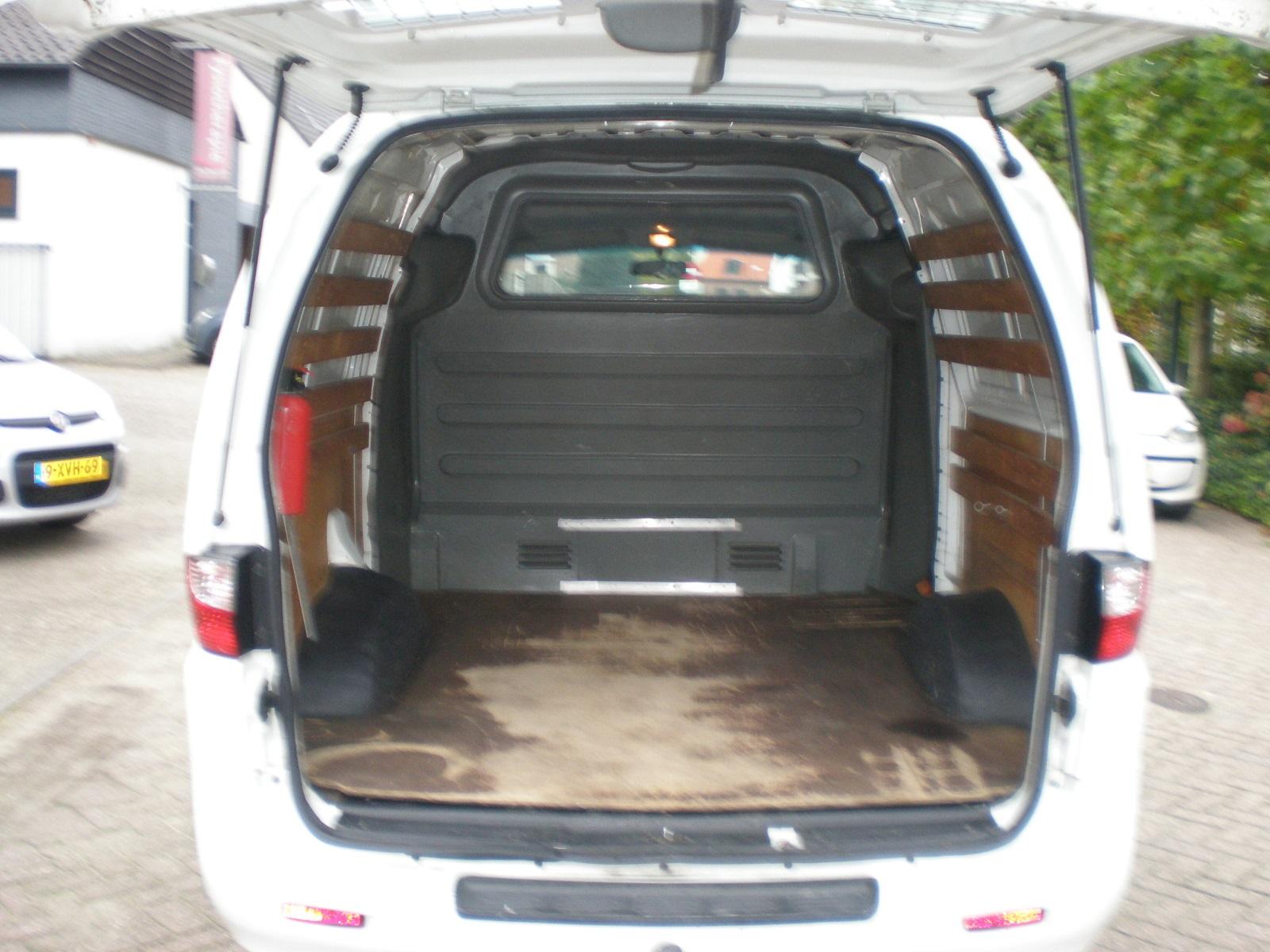 Hyundai H200 2.5 CRDI DC met APK van 2005