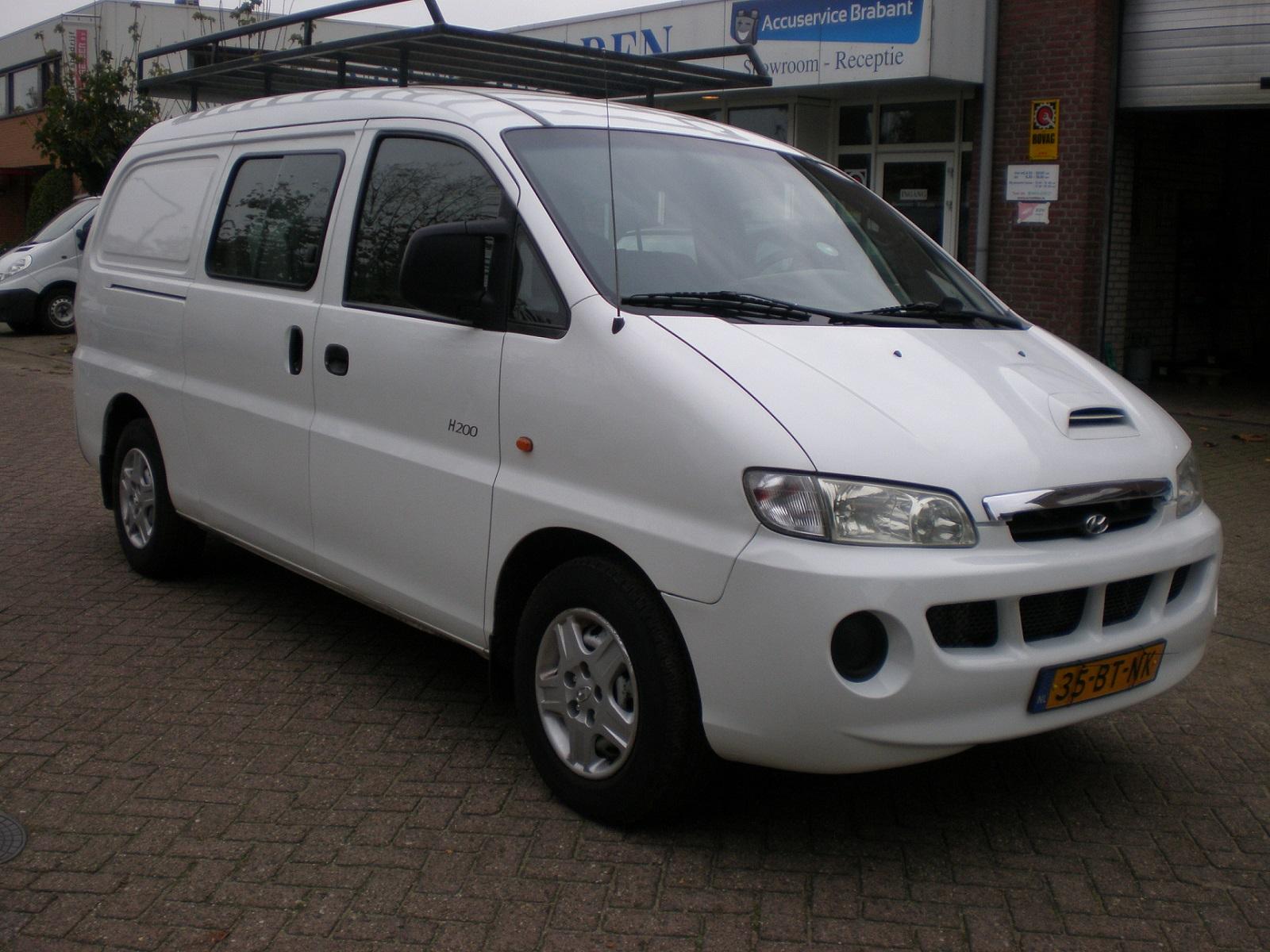 Witte Hyundai H200 2.5 CRDI DC met APK